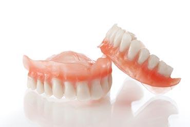 protezirovanie-zubov-dlya-pensionerov-besplatno-4